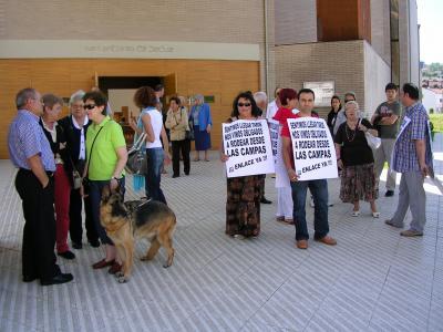 Vecinos de Las Campas protestan en La Florida