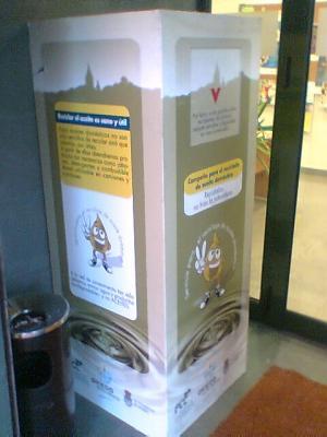 Contenedor de reciclaje para aceite doméstico