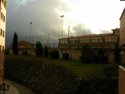 Adjudicadas las obras de mejora del talud y el patio del colegio de Las Campas