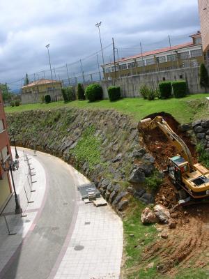 Comienzan las Obras en el Talud de la Calle Quirós