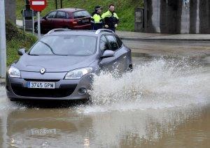 Urbanismo busca una solución provisional para las inundaciones en Las Campas